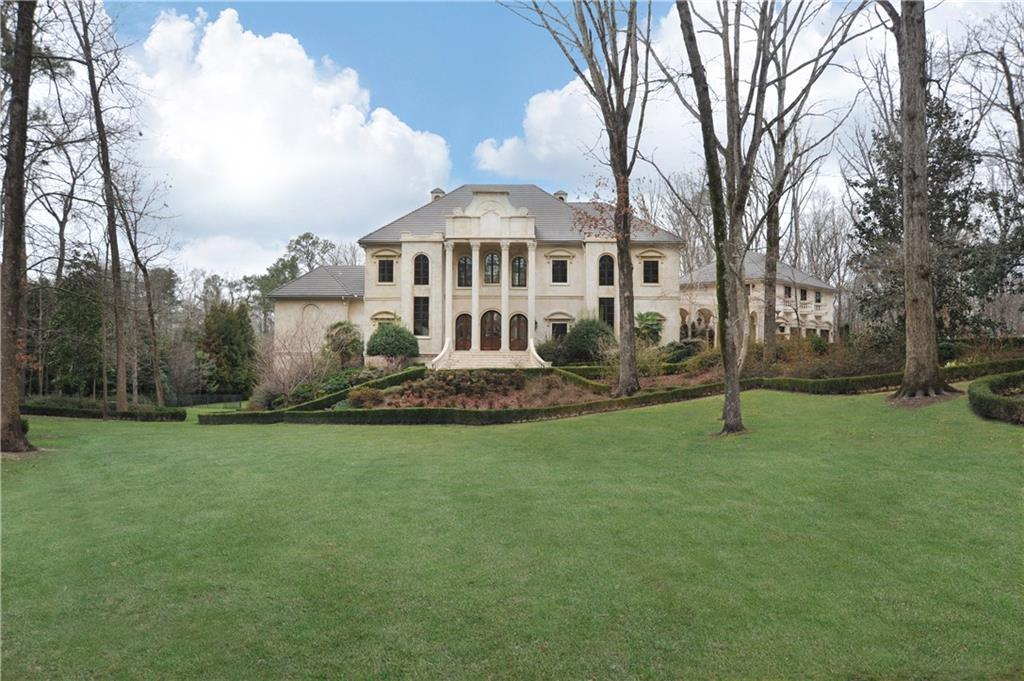 795 Highcourt Road A Luxury Home For Sale In Atlanta